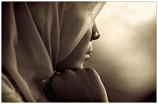 http://www.bing.com/images/search?q=hijab&FORM=BILH#view=detail&id=1ACC5394D61F116309DEAA3223FF7967C33F7593&selectedIndex=31